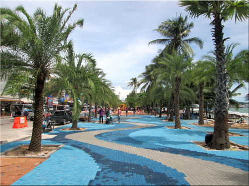 La promenade sur Beach Road Pattaya